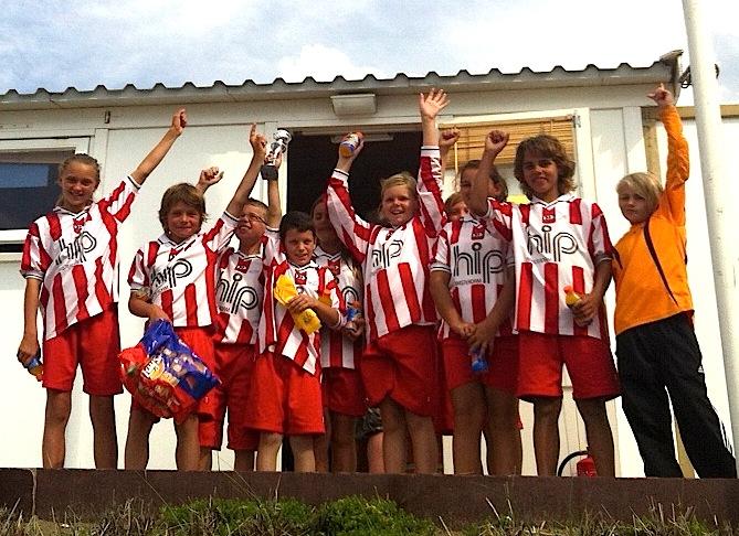 Het team met oa. Tom, Tijs, Panos, Jayro, Rocco en keeper Riva